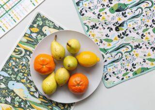 Holalola hasta sus mesas con nuestros NUEVOS diseños de INDIVIDUALES que ya podés conseguir en nuestra tienda en Barrio Escalante😍🍐🍊 #quierounholalola