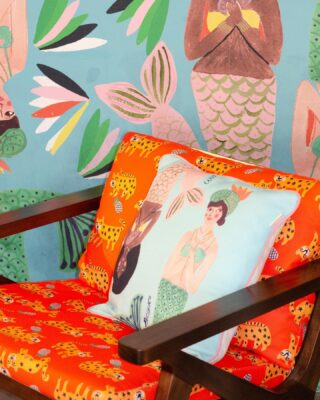 Almohadones Holalola hermosos junto a @ma_home_ para tus sofás, sillas de estar o hasta tu habitación💙✨